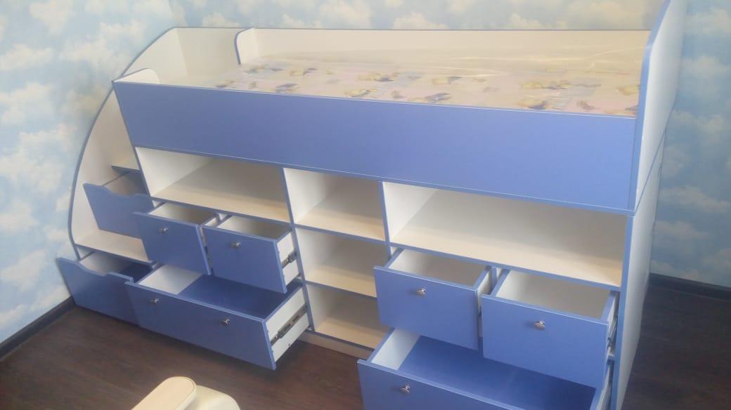 Детская кроватка с ящиками на заказ в Новосибирске