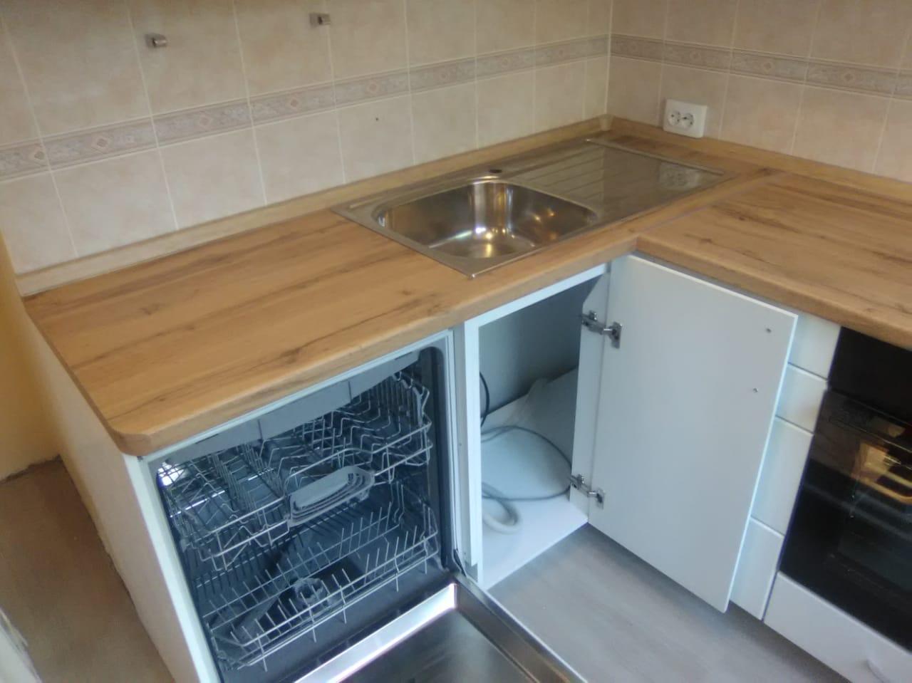 Уютная кухня со встроенной техникой на заказ в Новосибирске4