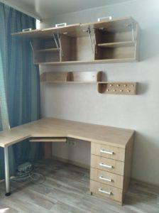 Письменый стол и шкаф на заказ