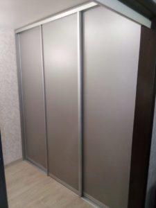 Шкафы купе из качественных материалов на заказ НСК