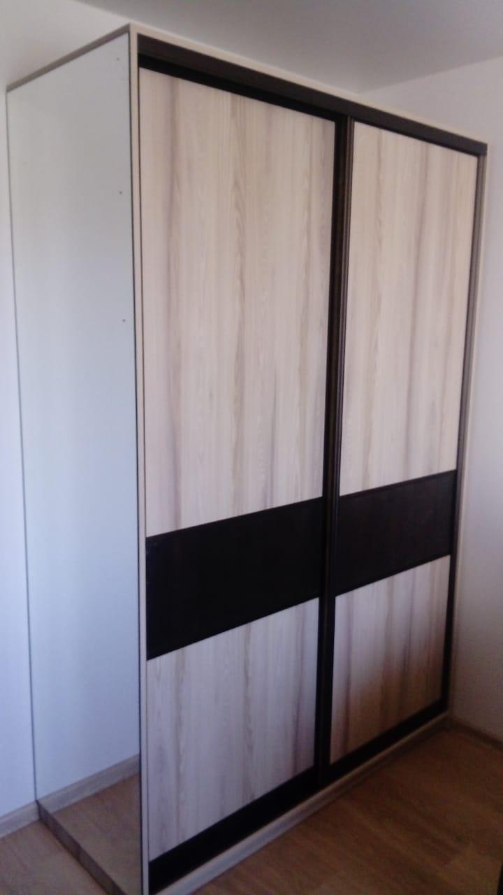 Шкаф купе с боковым зеркалом